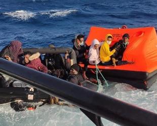 İzmir açıklarında 31 düzensiz göçmen kurtarıldı