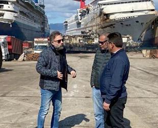 Oyuncu Oktay Kaynarca, Aliağa Gemi Söküm Tesisleri'ni ziyaret etti