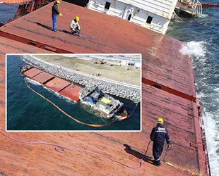 Zeytinburnu'nda karaya oturan geminin bozum ve söküm işlemi başladı