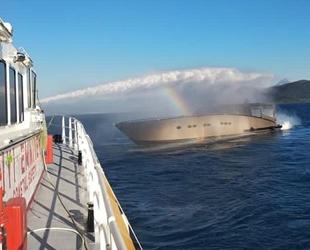 Göcek'te Mistress isimli teknede yangın çıktı: 4 kişi kurtarıldı