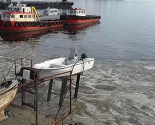 Deniz yüzeyindeki kirlilik endişe yarattı