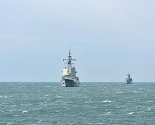 NATO savaş gemileri ortak tatbikat için Gürcistan'a demir attı