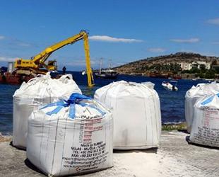 Çevreciler, sahile mermer tozu dökülmesine tepki gösterdi