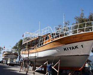 Alanya'da tur tekneleri yeni sezona hazırlanıyor
