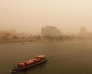 Mısır'da kum fırtınası nedeniyle 3 liman kapatıldı
