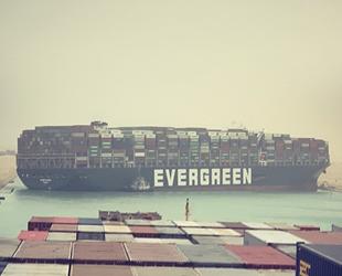 'Ever Given' isimli gemi, Süveyş Kanalı'nda karaya oturdu