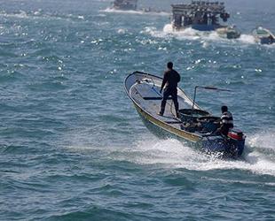 İsrail, Filistinli balıkçılara ait tekneleri batırdı