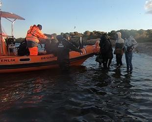 Adalarda mahsur kalan göçmenler kurtarıldı