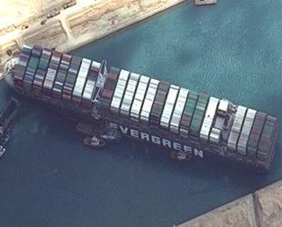 Süveyş Kanalı'ndaki karaya oturan gemi, bugün kurtarılacak