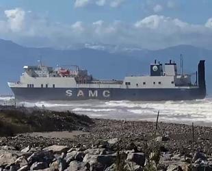 İskenderun Körfezi'nde karaya oturan hacizli gemi yeniden Körfez'e çekilecek