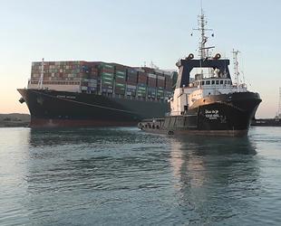 Süveyş Kanalı'nda gemi geçişleri tamamen normale döndü