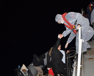 İzmir açıklarında 71 düzensiz göçmen kurtarıldı