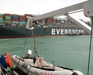 Süveyş Kanalı'nda karaya oturan gemi kazasıyla ilgili soruşturma başlatıldı! Mısır, Ever Given'e el koyabilir!