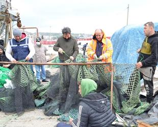 Marmara'da deniz salyası, balıkçılara erken 'paydos' ettirdi