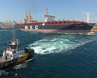 Kazazede gemi MSC TINA, Beşiktaş Tersanesi'ne yanaştı