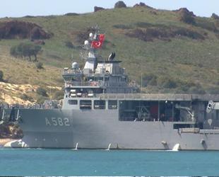 TCG Alemdar arama kurtarma gemisi, düşen uçağın enkazı için Foça'ya ulaştı