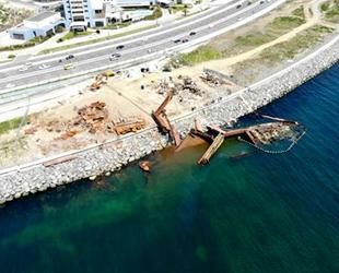 Karaya oturan STREAMLINE isimli geminin büyük bölümü parçalandı
