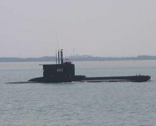 Endonezya'da 53 mürettebatlı denizaltı kayboldu