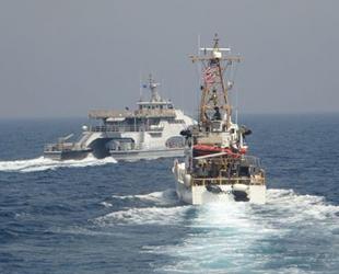 İran, Basra Körfezi'nde ABD Sahil Güvenlik gemilerinin önünü kesti