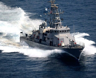 ABD, Basra Körfezi'nde İran'a uyarı ateşi açtı