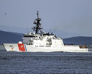 ABD Sahil Güvenlik Gemisi, İstanbul Boğazı'ndan geçti