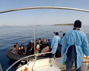 Ayvalık'ta 63 düzensiz göçmen kurtarıldı