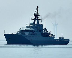 İngiltere, Jersey Adası'ndan donanma gemilerini geri çekti