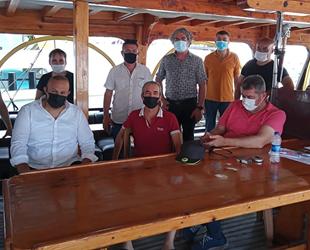 Antalyalı tekneciler, denize açılma yasağının kaldırılmasını istiyor