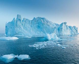 Bilim insanları, Antartika'daki buz erimelerinden endişe ediyor