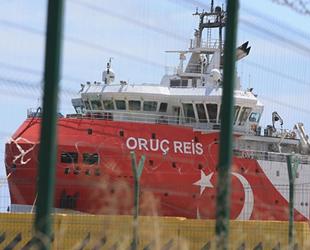 Oruç Reis sismik araştırma gemisi, ikmal için Antalya Limanı'na yanaştı