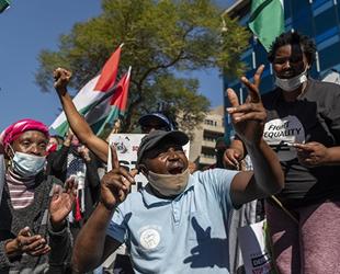 Afrikalı liman işçileri, İsrail gemilerinin yüklerini boşaltmayı reddetti