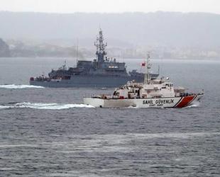 Rus mayın tarama gemisi, Çanakkale Boğazı'ndan geçti