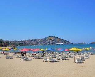 Kuşadası, 'Mavi Bayraklı' plajları ile misafirlerini bekliyor