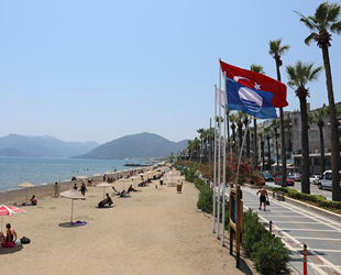 Marmaris Belediyesi'nin ikinci plajı da Mavi Bayrak aldı