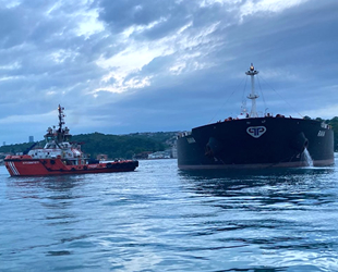 İstanbul Boğazı, gemi trafiğine açıldı! RAVA isimli tanker, Ahırkapı A Demir Bölgesi'ne çekildi!