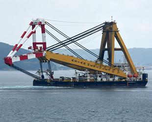 Asian Hercules-III isimli yüzer vinç, Çanakkale'ye ulaştı