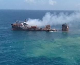 X-Press Pearl konteyner gemisi, batmaya başladı