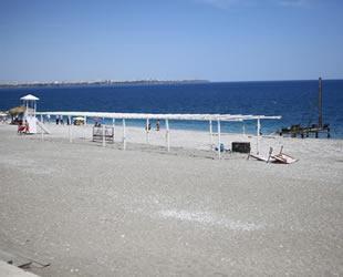 Konyaaltı Sahili'ndeki Engelsiz Plaj'da çalışmalar başladı