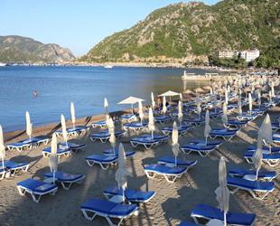 Marmaris, mavi bayraklı plajları ile misafirlerini bekliyor