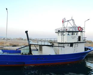 'Yavru Kurt 47' isimli tekne, Çanakkale Boğazı'nda arızalandı
