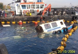 Flaş! Haliç'teki tekne sabotajla battı