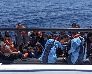 İzmir açıklarında 55 düzensiz göçmen kurtarıldı