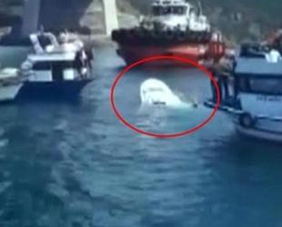 İstanbul Boğazı'nda AS ROSAILA isimli gemi ile balıkçı teknesi çatıştı