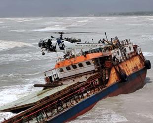 Makine arızası yapan MANGALAM isimli gemi, karaya oturdu