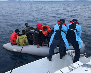 İzmir'de 70 düzensiz göçmen kurtarıldı