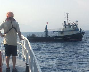 Fethiye'de sürüklenen balıkçı teknesi kurtarıldı