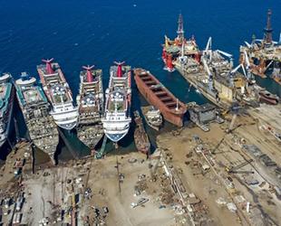 Aliağa'ya 2021 yılında söküm için 53 adet gemi geldi