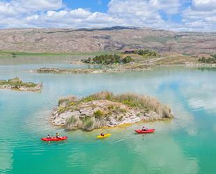 Tödürge Gölü, bitki türü çeşitliliği ile hayranlık uyandırıyor
