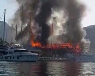Marmaris'te çıkan yangında 2 milyon liralık tekne küle döndü