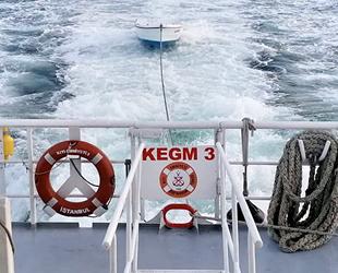 Burgazada açıklarında sürüklenen tekne kurtarıldı